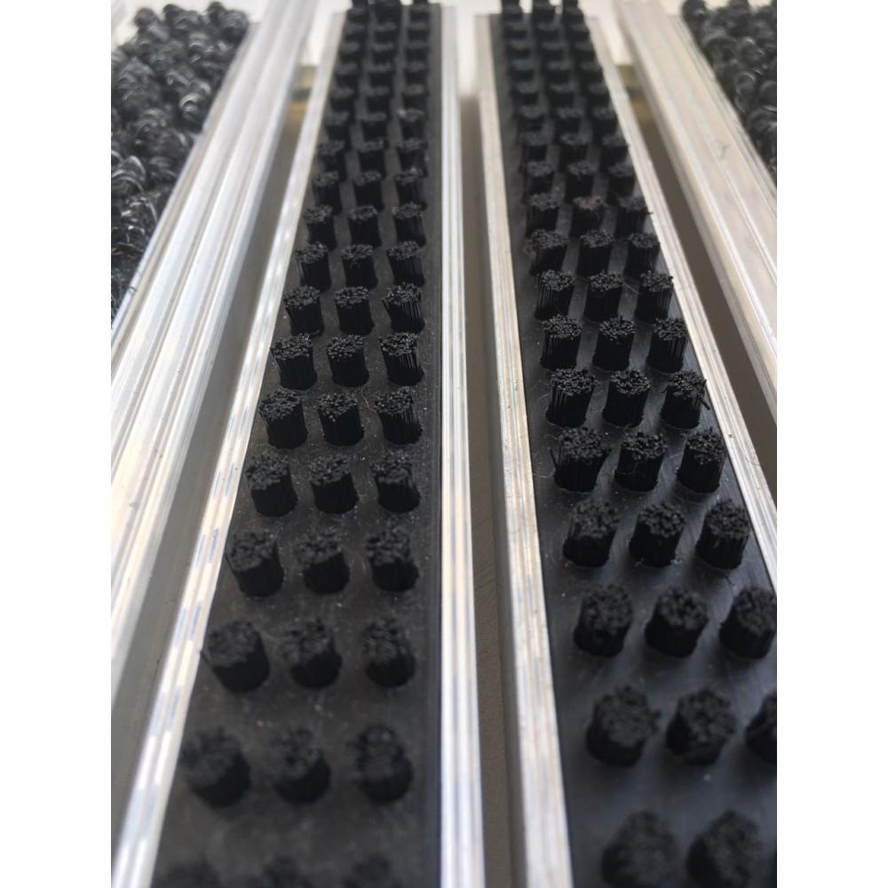 Грязезащитная алюминиевая решетка Safetystep Щётка